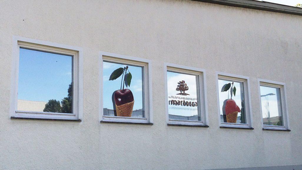 ContraSOL Sichtschutz verspiegelt in Kombination mit Glasgestaltung