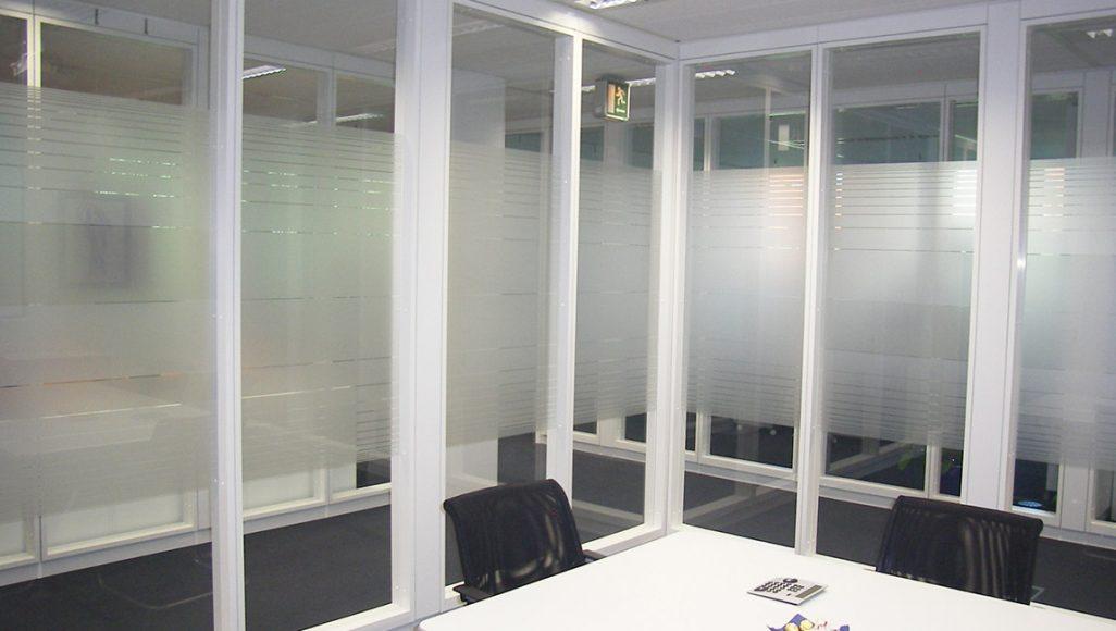 ContraSOL Sichtschutz 4.30 weiß-matt im Streifendesign
