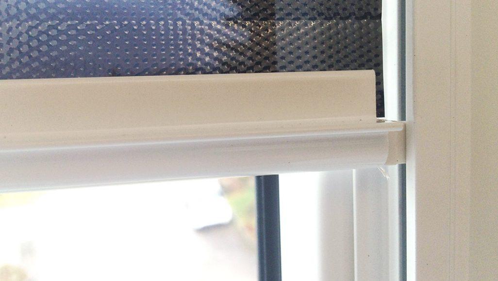 Blendschutzrollo GP3 weiß Detail Abschlussstab